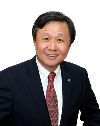 William Hwang.